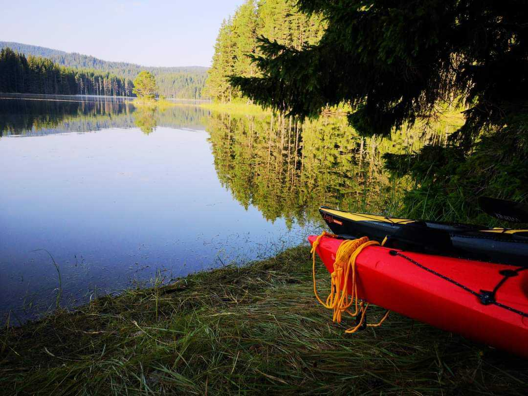 Picture of a lake with kayak
